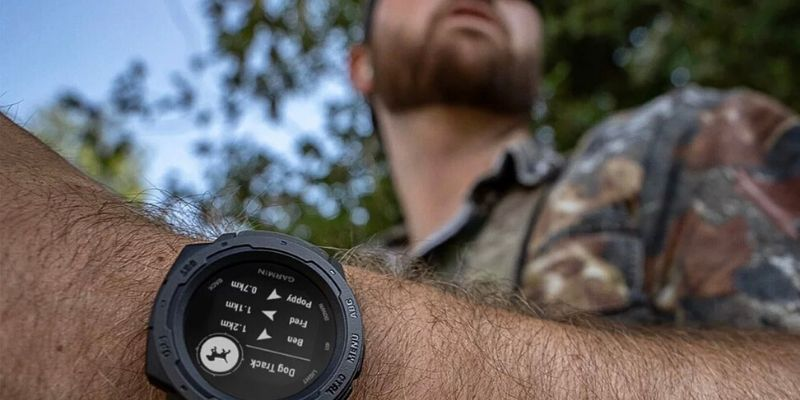 Garmin Instinct with dog tracking app